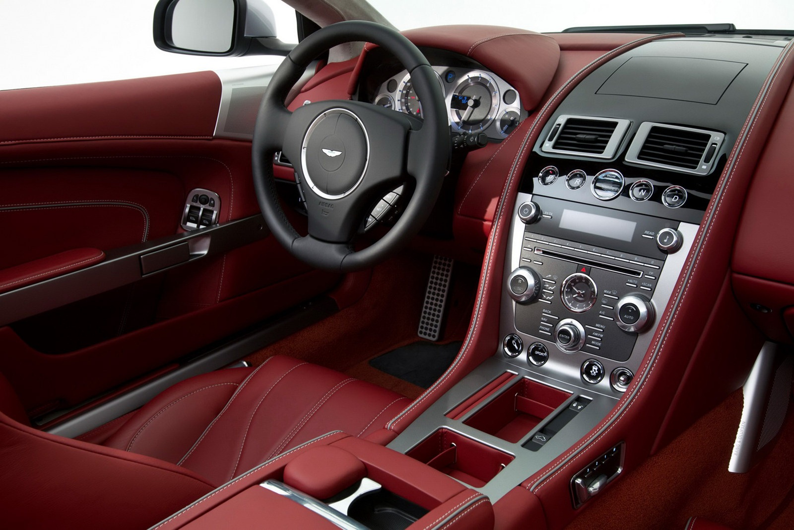 Aston_Martin_DB9_2013_Interior