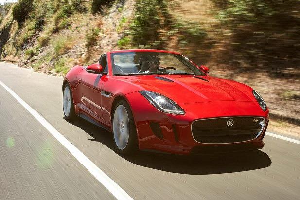 Jaguar_F-Type_Roadster_Front_3Q_Motion