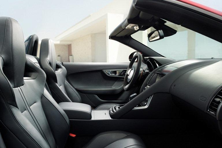 Jaguar_F-Type_Roadster_Interior