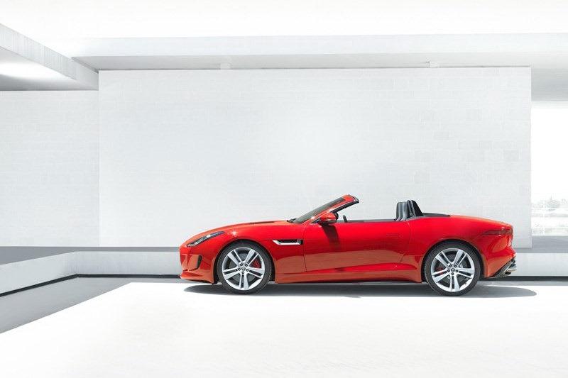 Jaguar_F-Type_Roadster_Profile