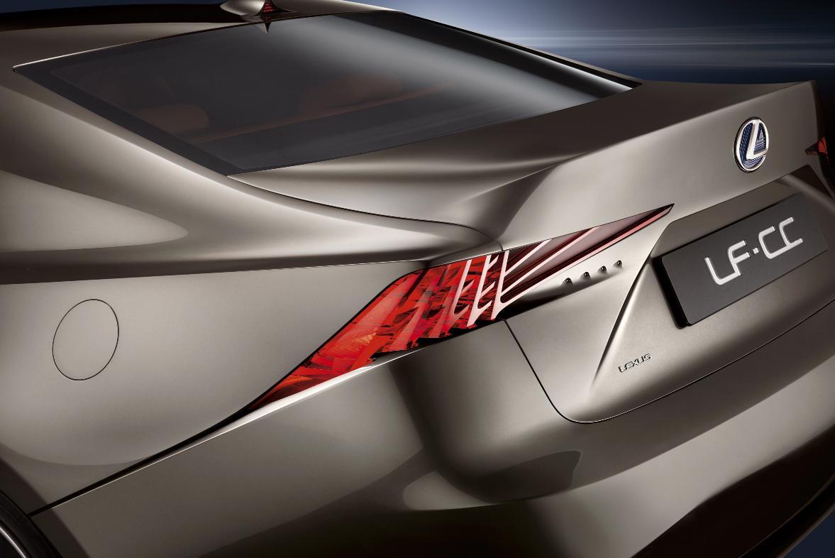 Lexus_LF-CC_04