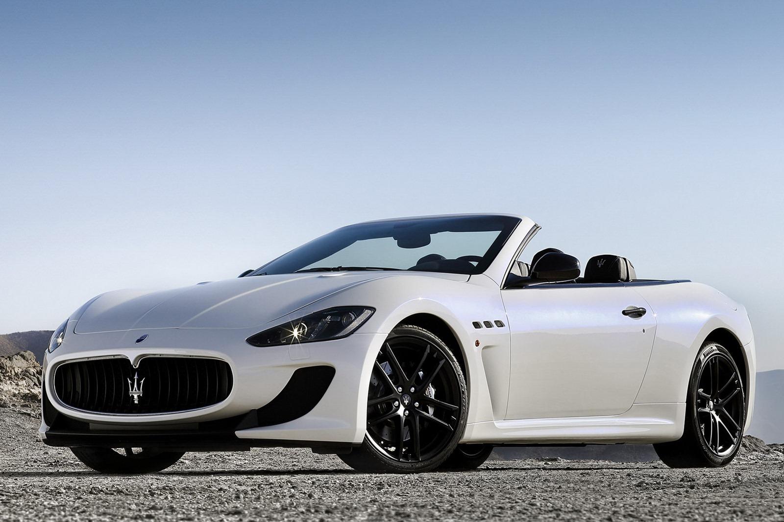 Maserati_GranCabrio_MC_Stradale_Front_3Q