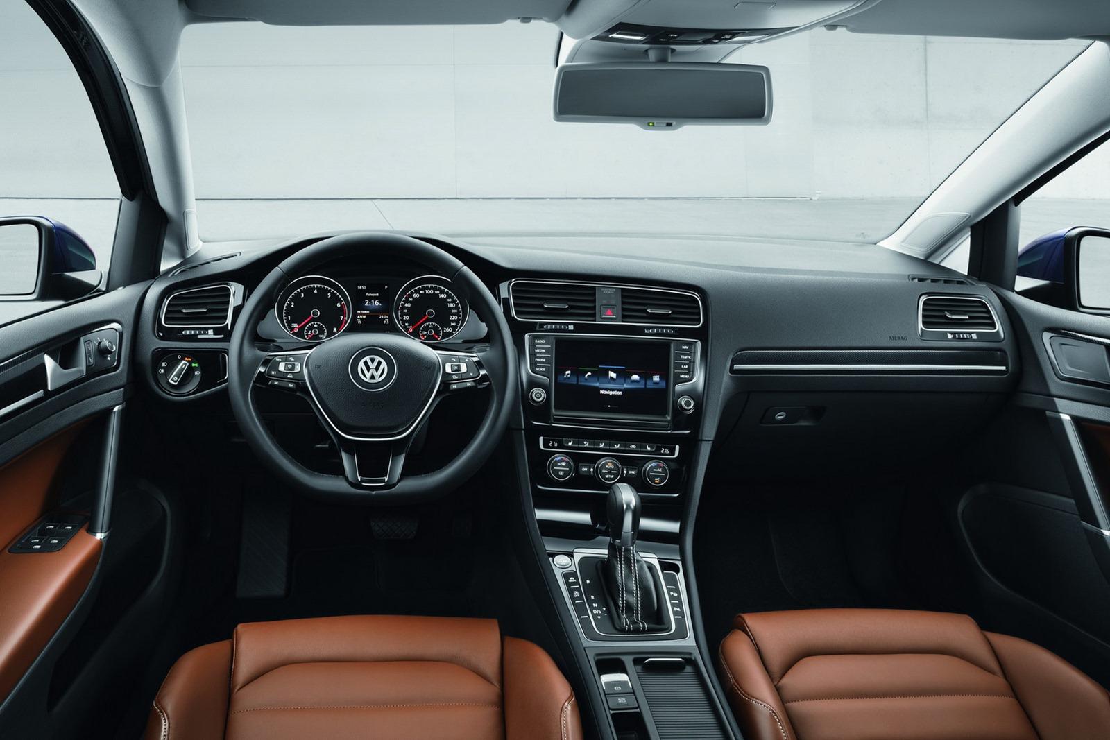 New_VW_Golf_24