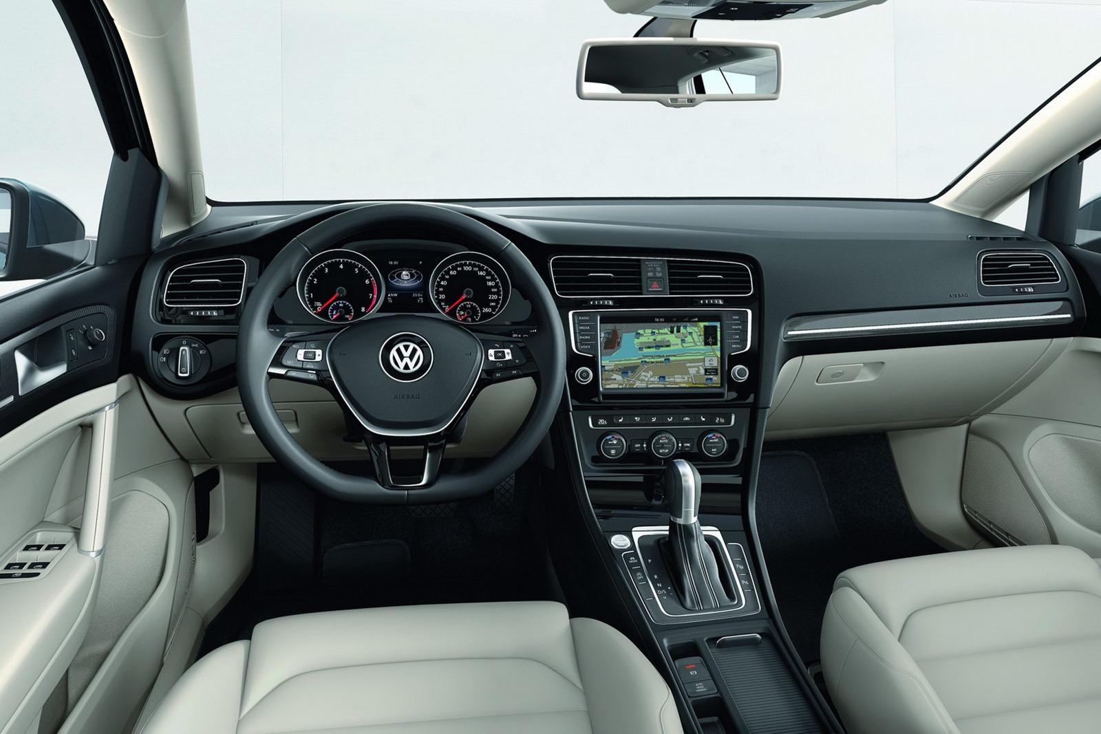 New_VW_Golf_25