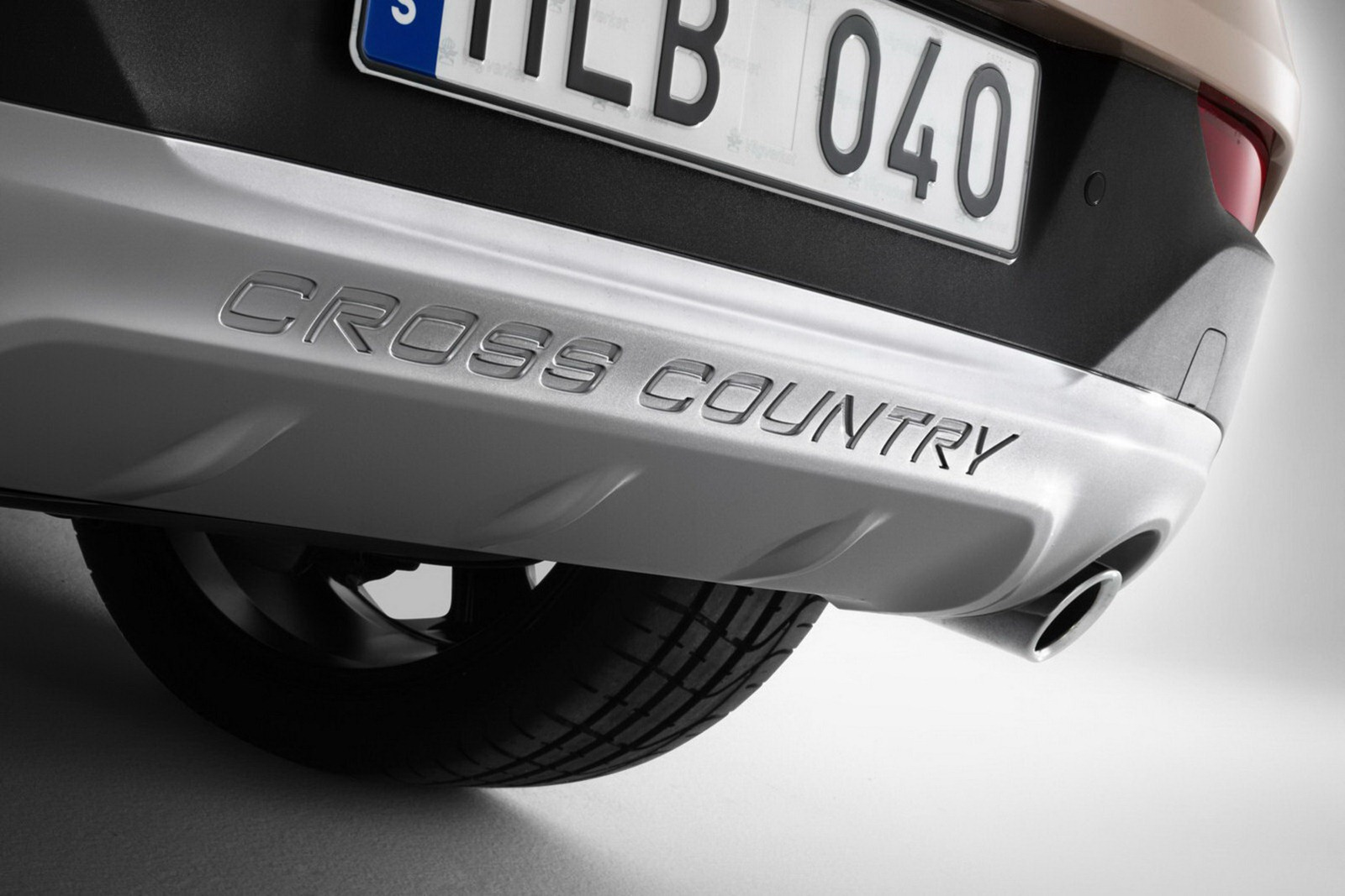 Volvo_V40_Cross_Country_Bumper