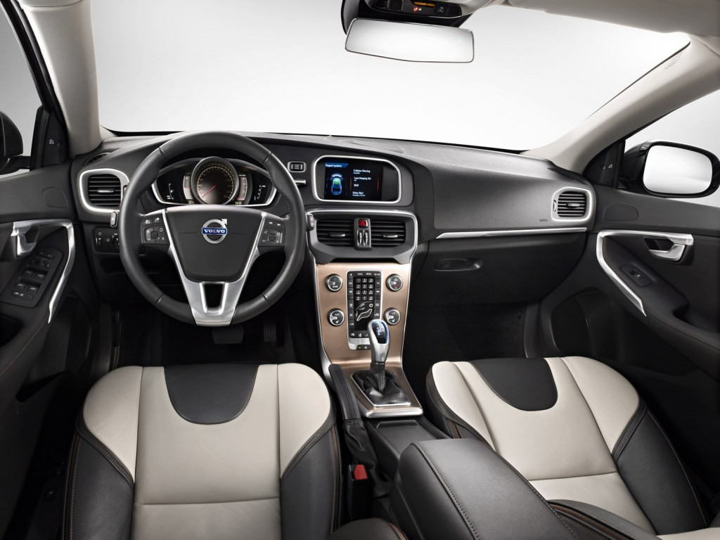 Volvo_V40_Cross_Country_Cabin