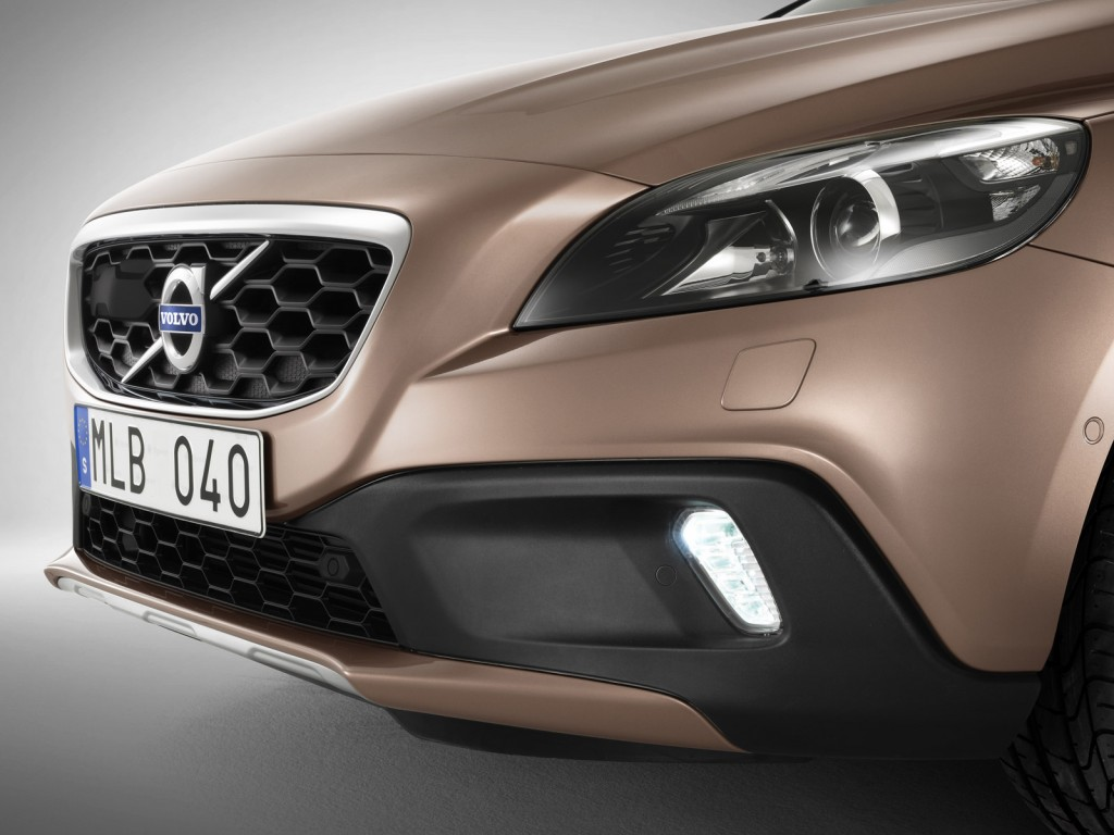 Volvo_V40_Cross_Country_Close-up