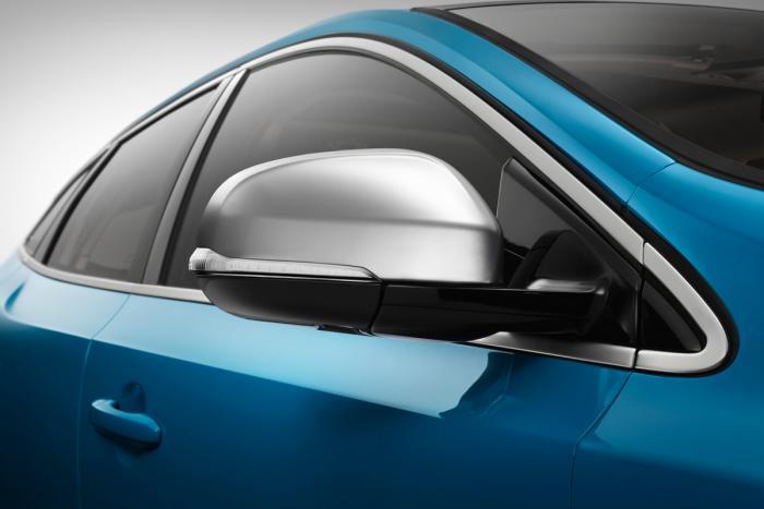 Volvo_V40_R-Design_07