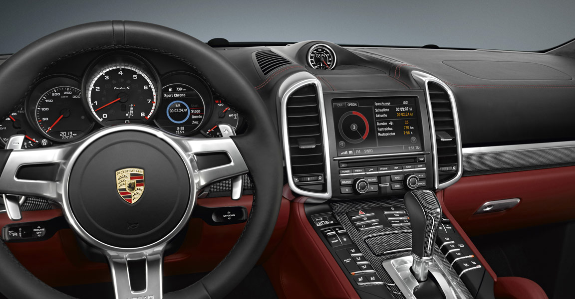 Porsche_Cayenne_Turbo_S_Dashboard