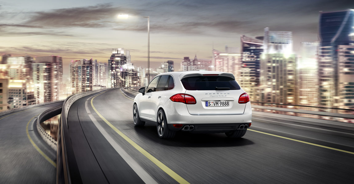 Porsche_Cayenne_Turbo_S_Rear_Driving