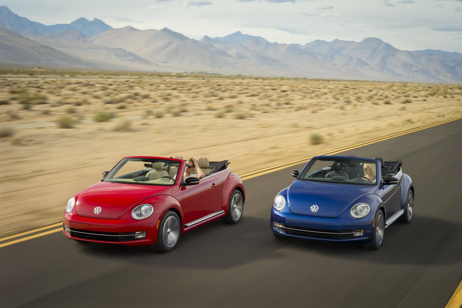 Volkswagen_Beetle_Cabriolet_Driving