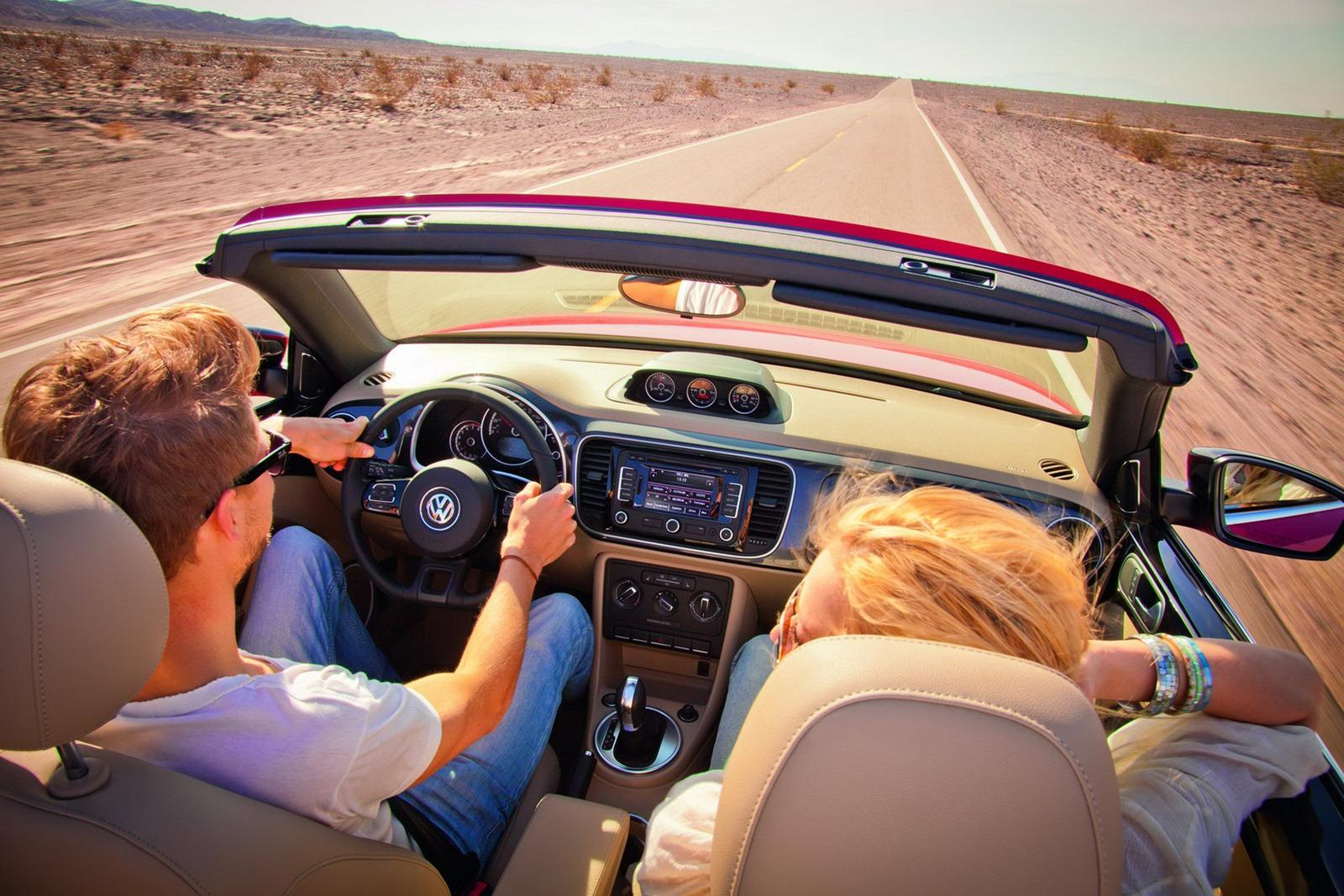 Volkswagen_Beetle_Cabriolet_Highway