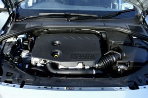 Volvo S60 D2 Engine