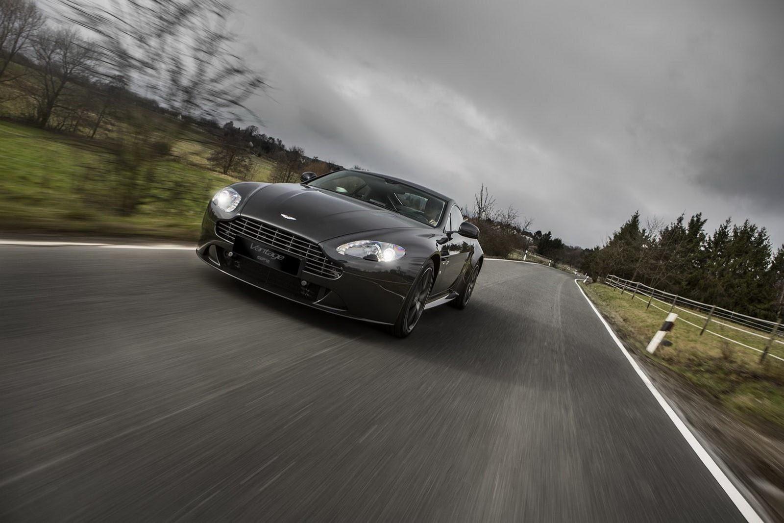 Aston-Martin-SP10-Driving