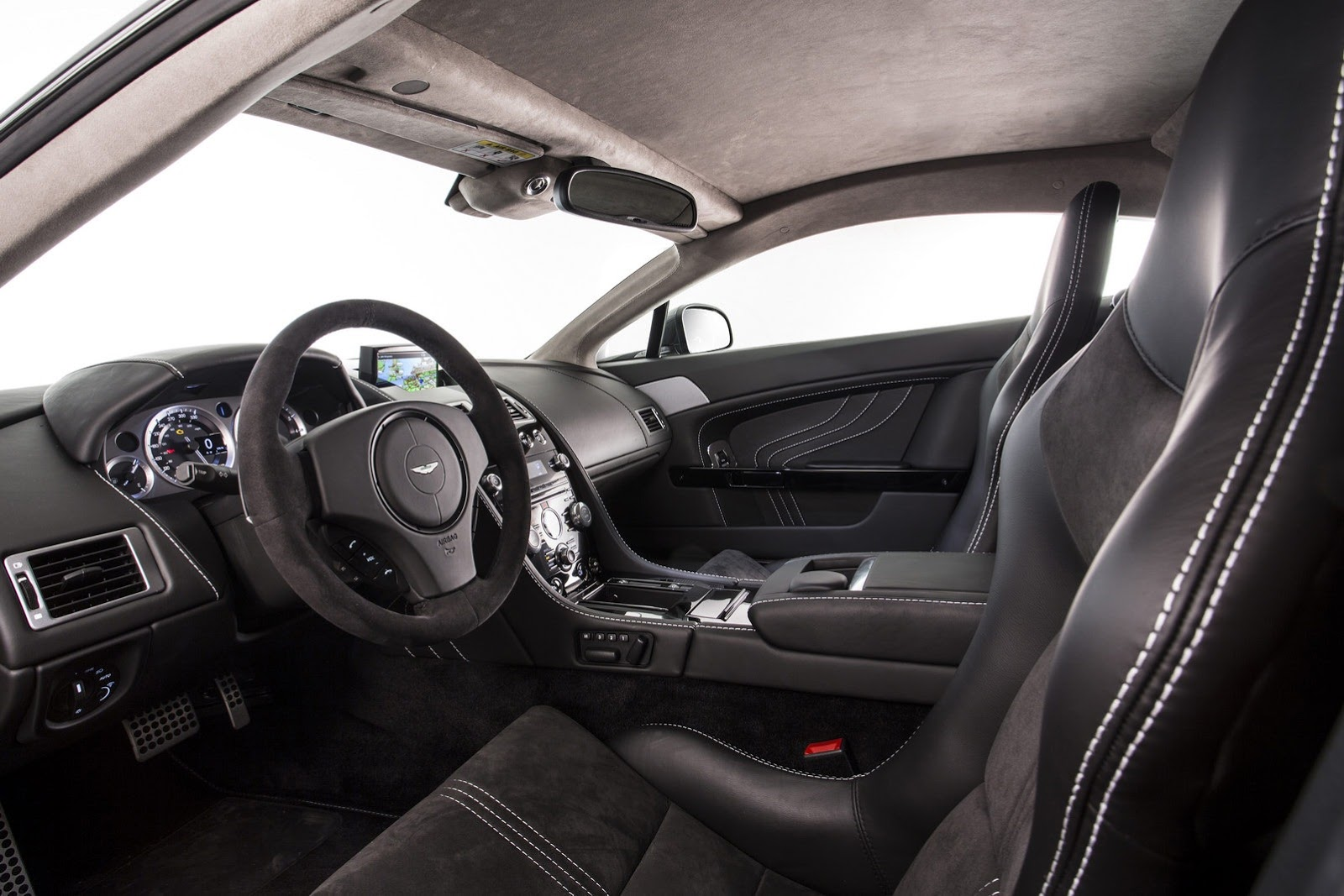 Aston-Martin-SP10-Interior