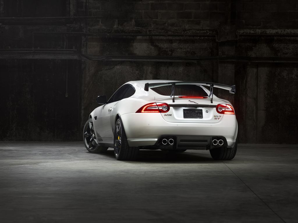 Jaguar_XKR-S_GT_Rear