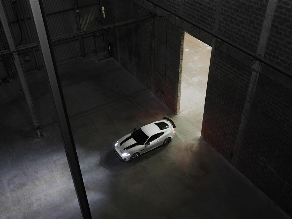 Jaguar_XKR-S_GT_Warehouse