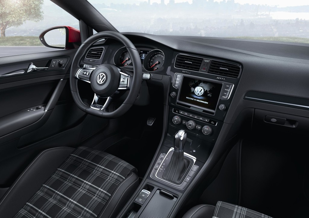 newmotoring vw golf gtd 2013 interior newmotoring