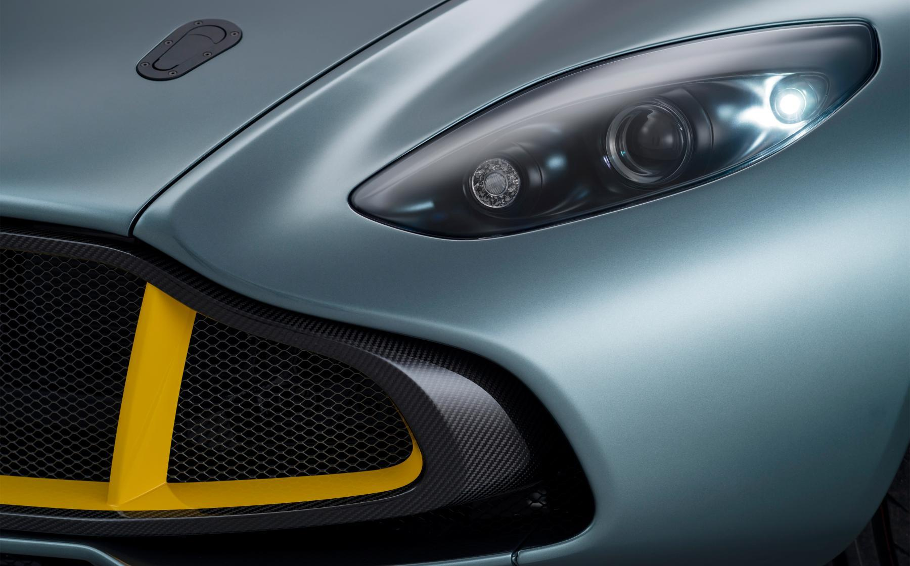 Aston Martin CC100 Lights