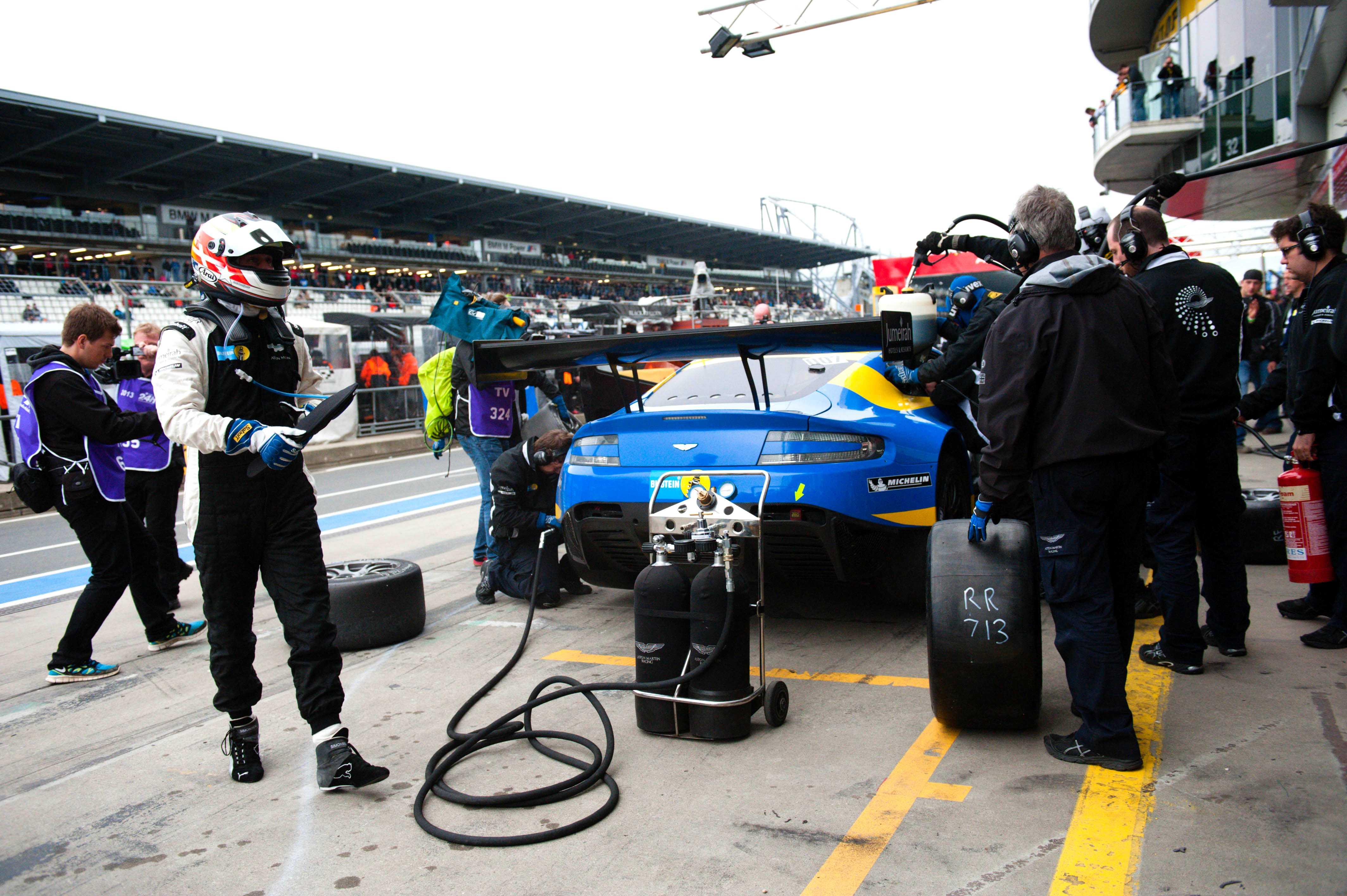 Aston Martin V12 Vantage GT3 Nurburgring 24 2013 Pit