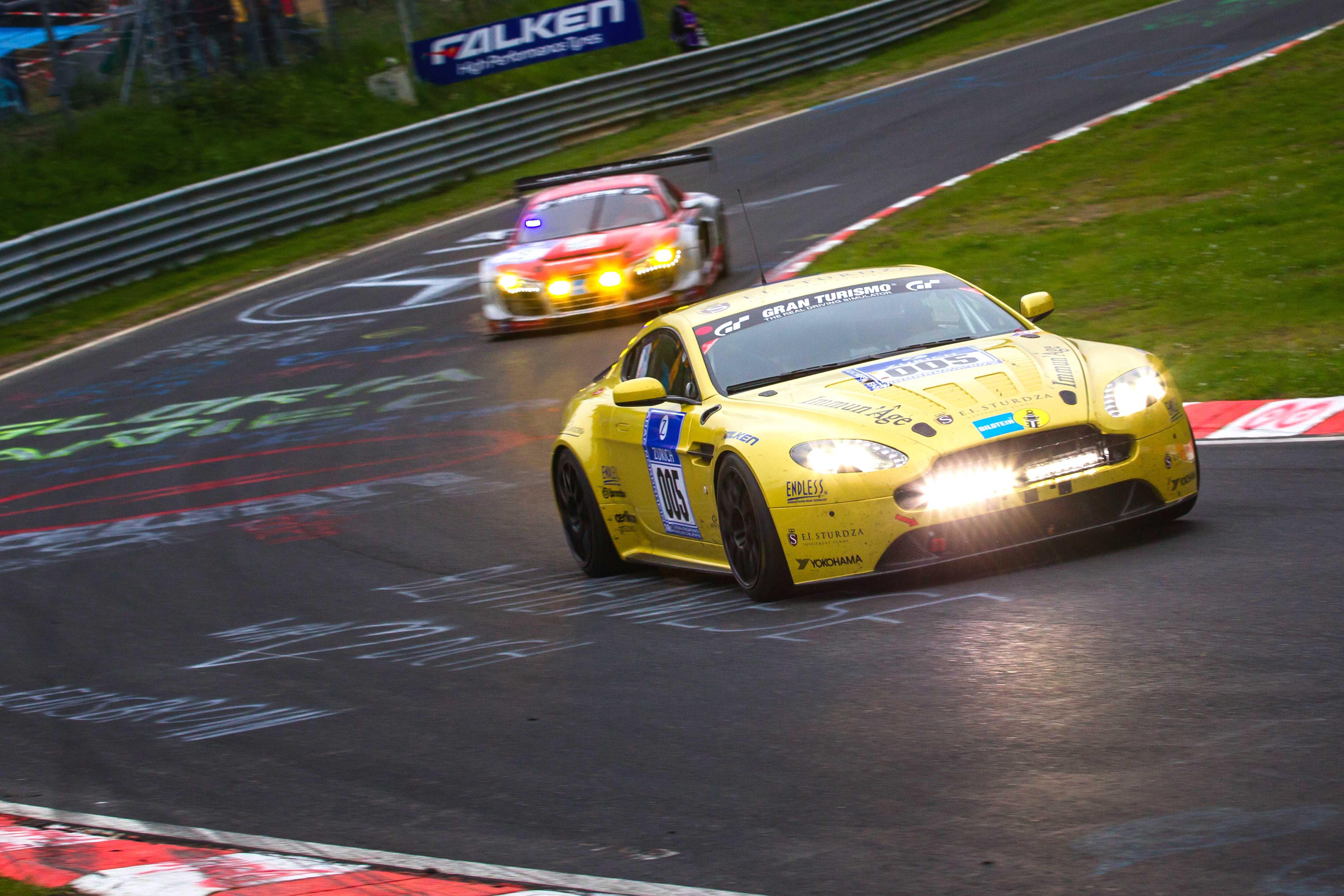 Aston Martin V12 Vantage Nurburgring 24 2013