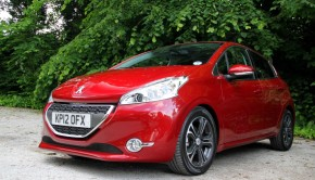 Peugeot 208 Featured