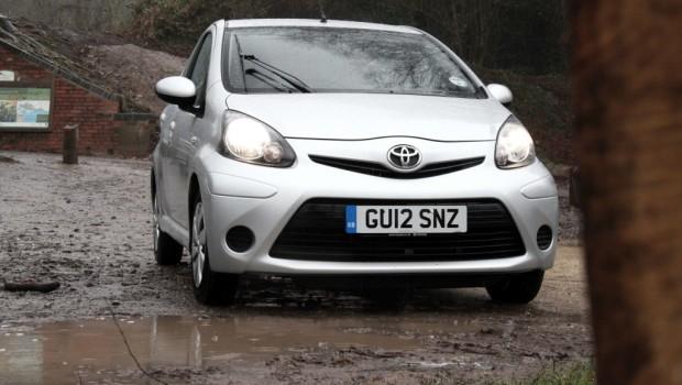 Toyota Aygo Ice Featured