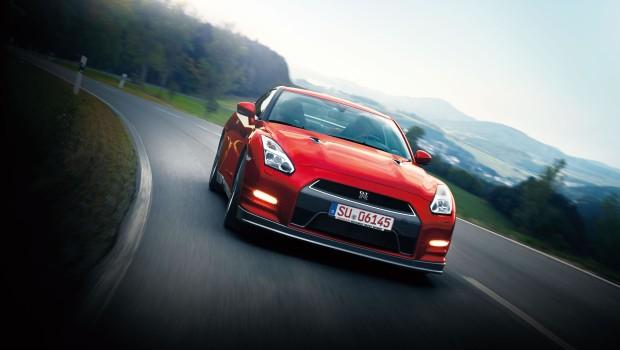 Nissan GTR 2014 Driving