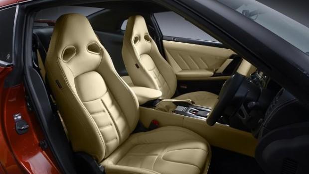 Nissan GTR 2014 Interior