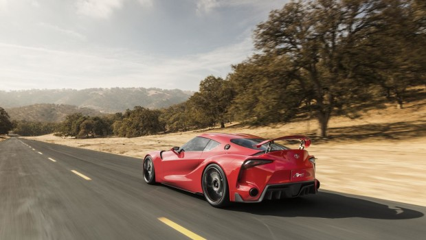 Toyota FT-1 Driving