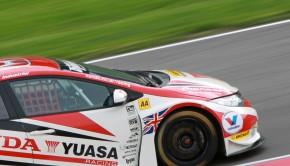 Honda Civic Tourer BTCC Matt Neal Rockingham Testing