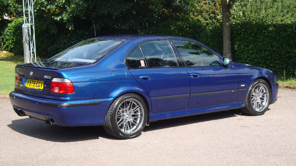 newmotoring for sale try a bmw e39 m5 this winter. Black Bedroom Furniture Sets. Home Design Ideas