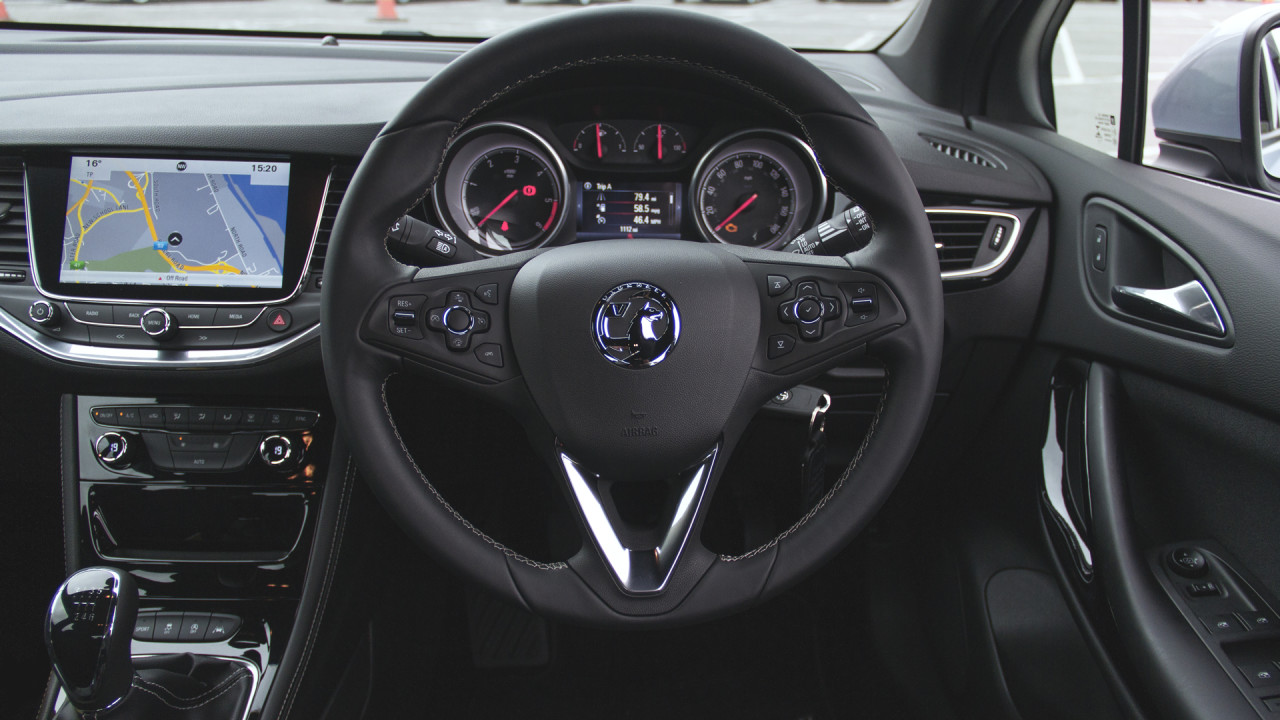 Vauxhall insignia trunk for Interior opel insignia 2015