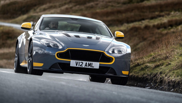 Newmotoring Introducing The New And Awesome V12 Vantage S Manual