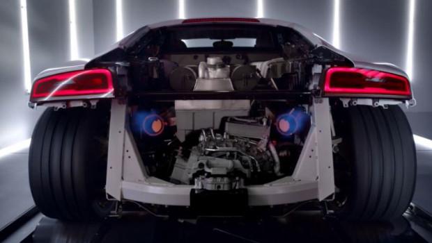 Audi-R8-V10-Plus-Ad