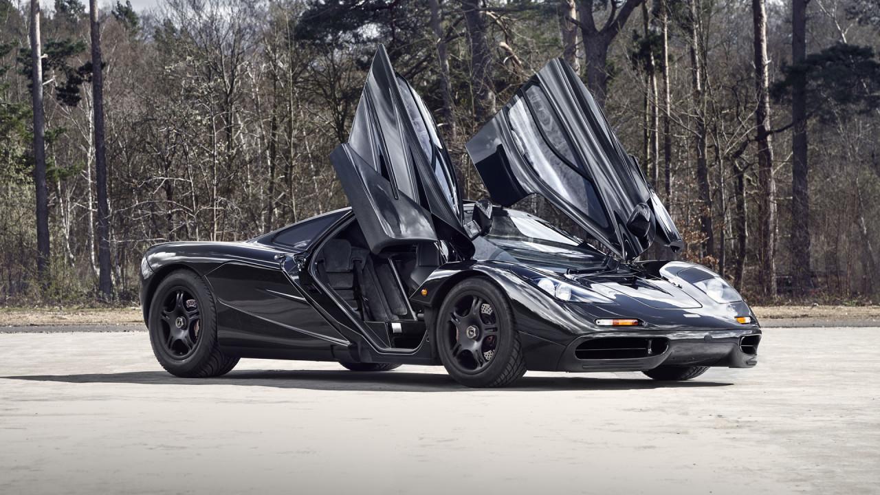 McLaren-F1-1992-Door-Design