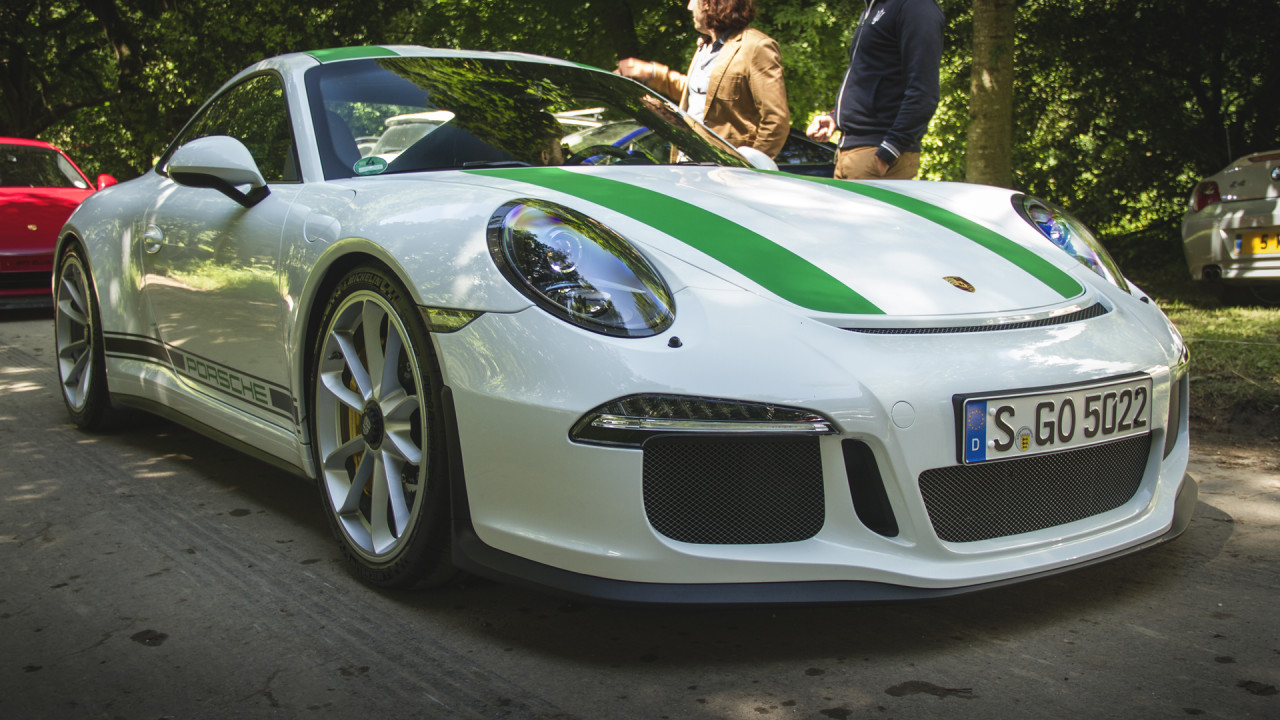 newmotoring would you pay 1 000 000 for a porsche 911 r. Black Bedroom Furniture Sets. Home Design Ideas