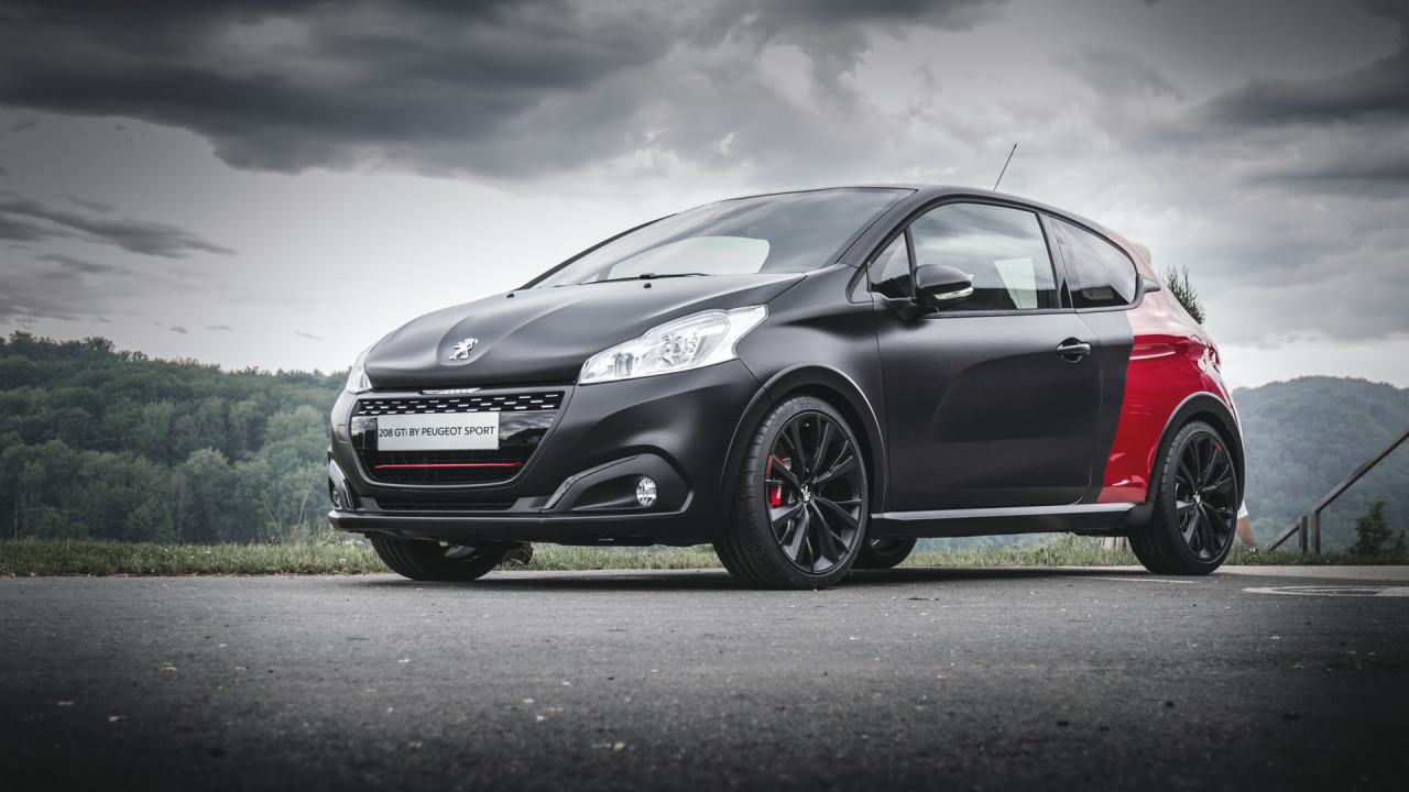 newmotoring the peugeot 208 gti by peugeot sport has a. Black Bedroom Furniture Sets. Home Design Ideas