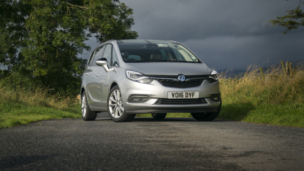 newmotoring the zafira tourer is a family car you 39 ll actually enjoy. Black Bedroom Furniture Sets. Home Design Ideas