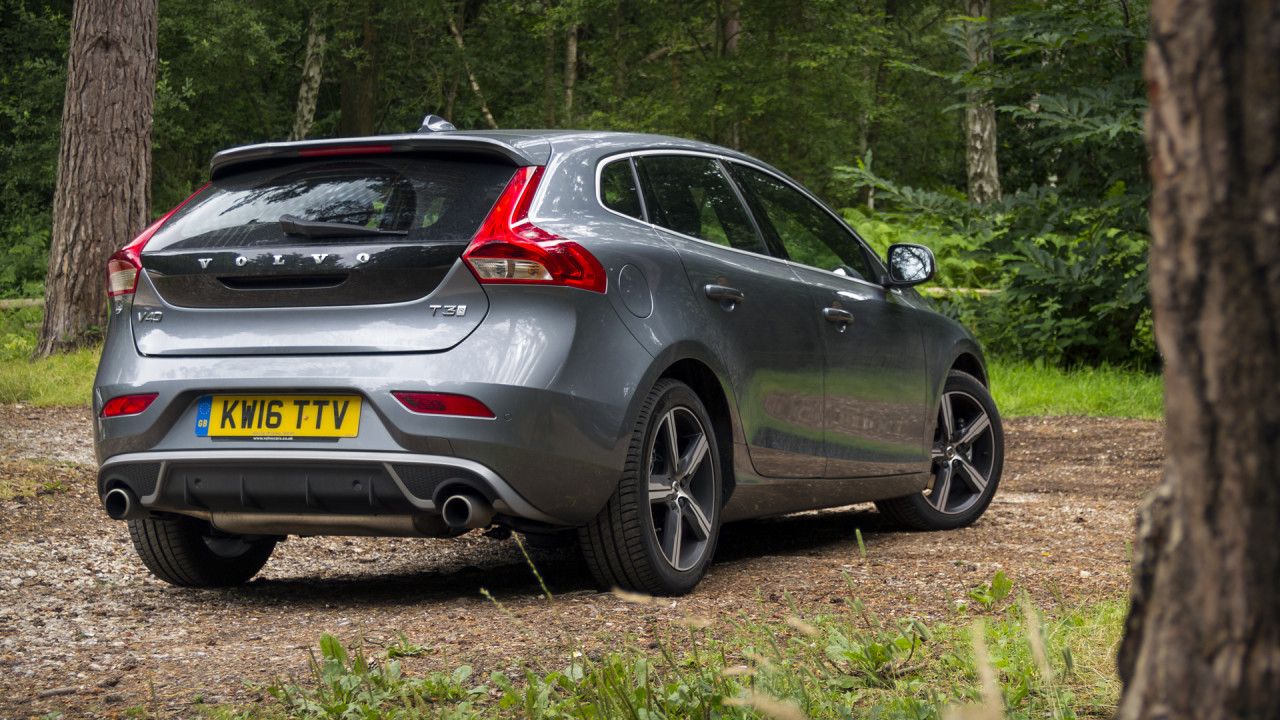 volvo-v40-t3-r-design-review