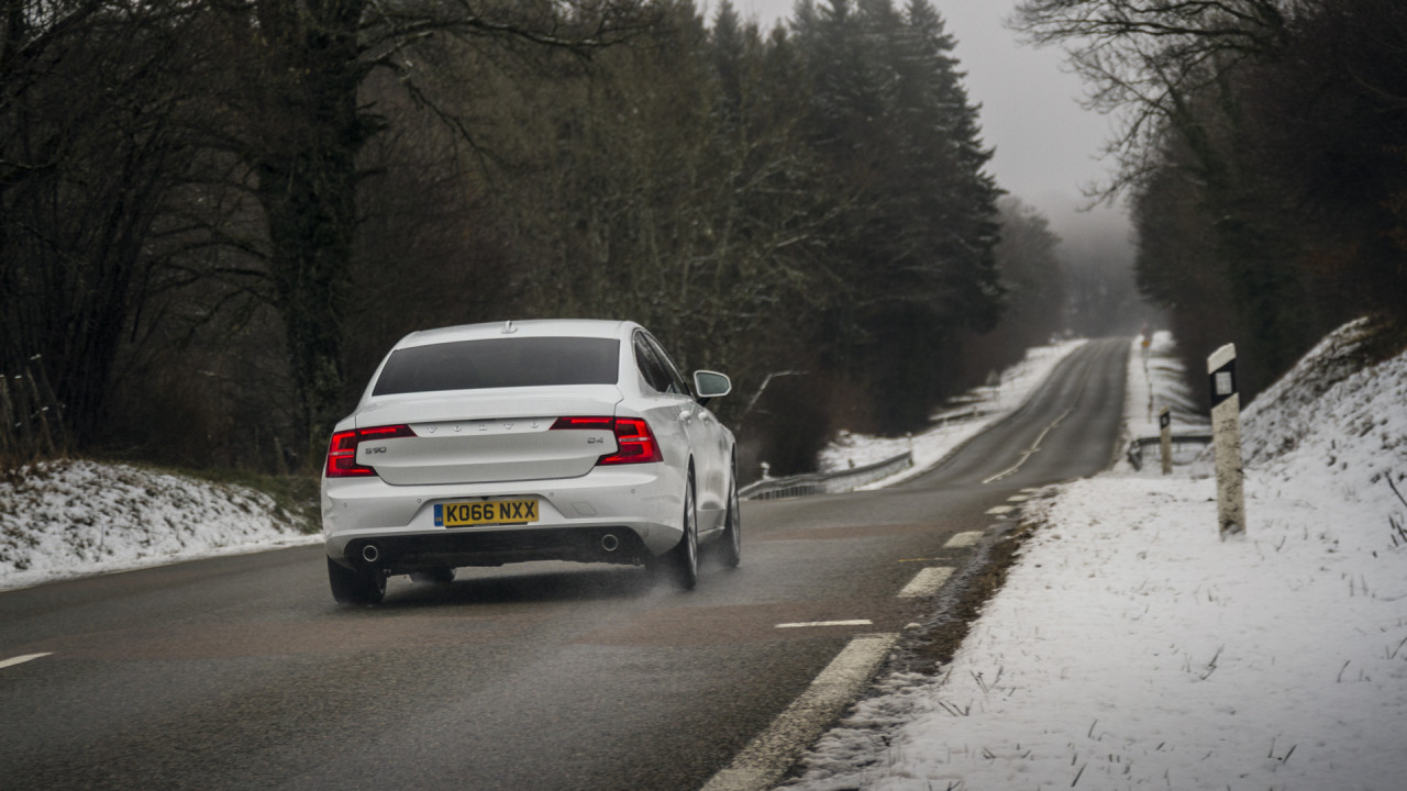 Volvo S90 D4 Review