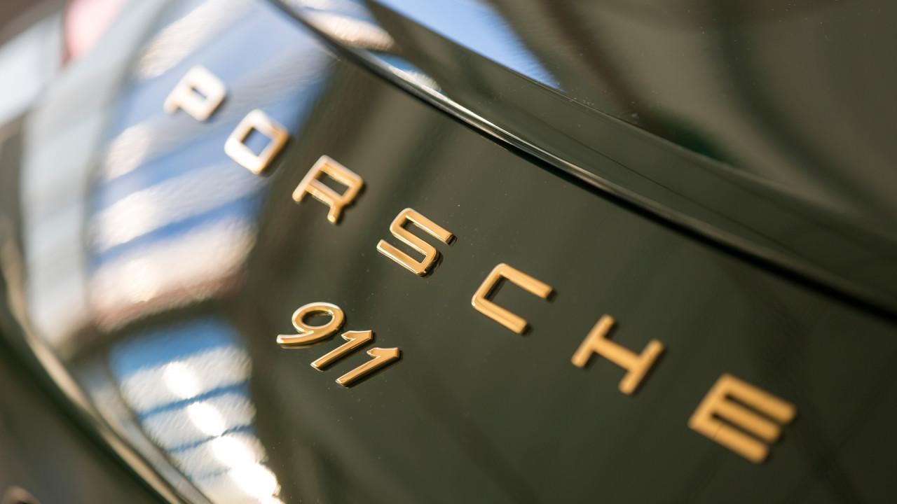Porsche-1,000,000th-911-2017