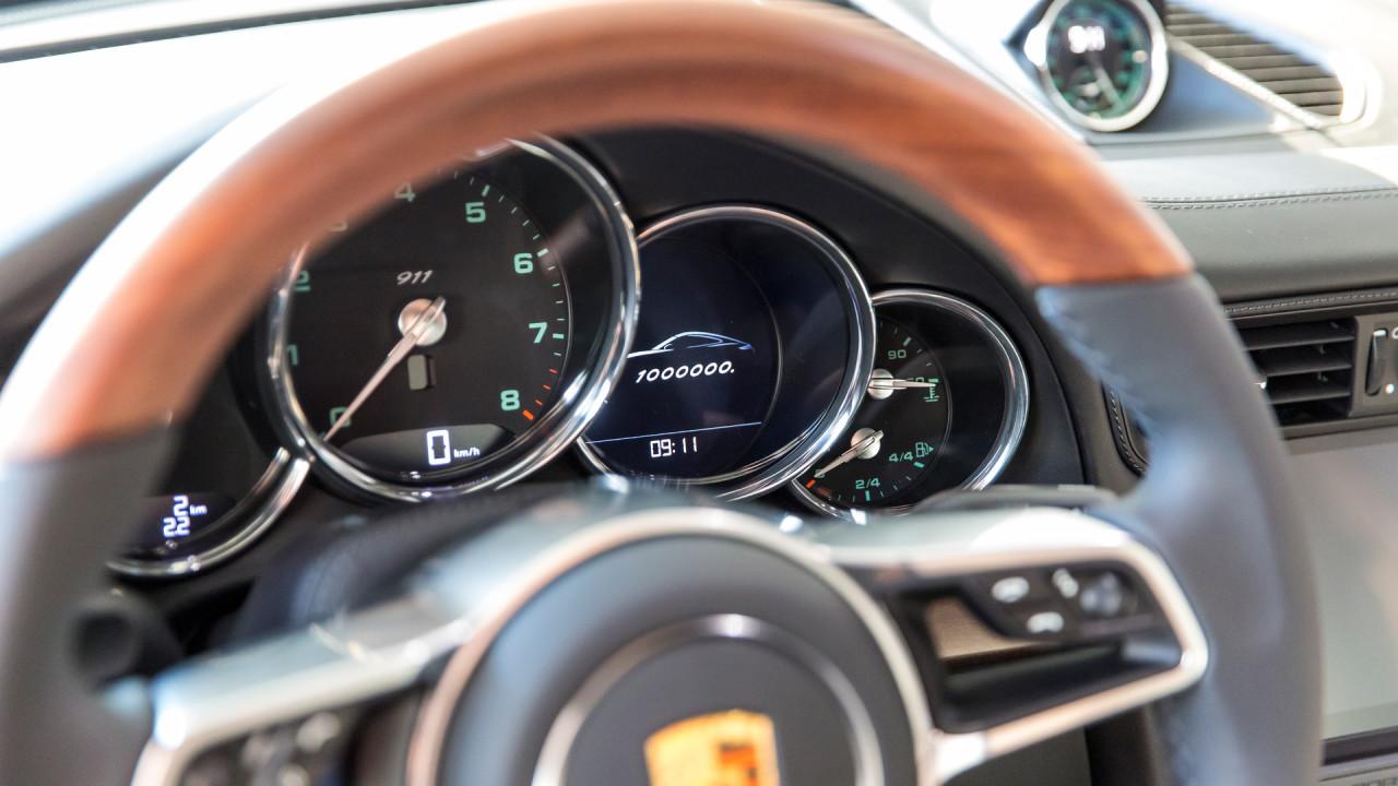 Porsche-1,000,000th-911-Interior