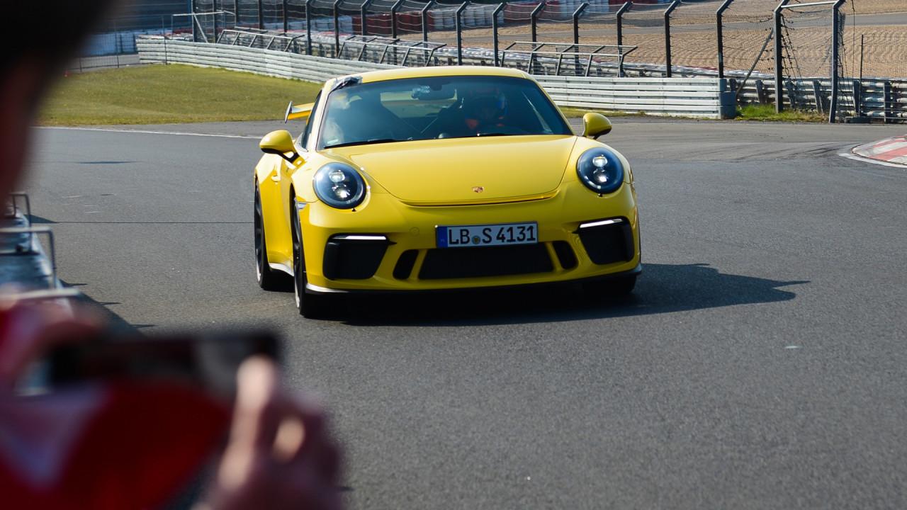 Porsche-911-GT3-2017-Nurburgring