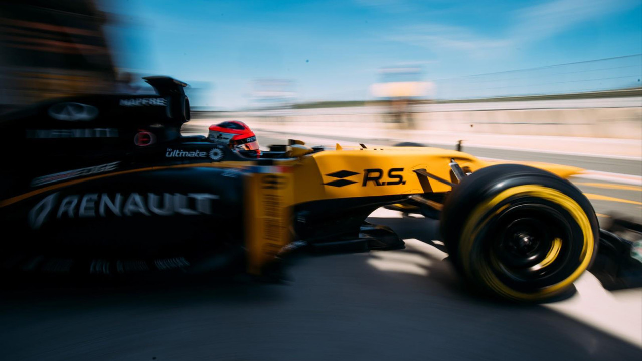 Robert-Kubica-Renault-E20-F1-Test-2017-Valencia