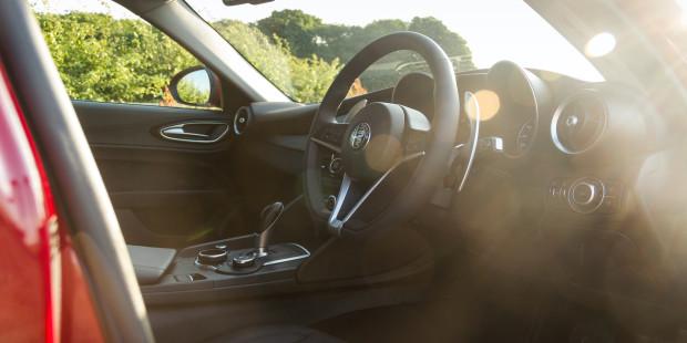 Alfa Romeo Giulia 2017 Interior