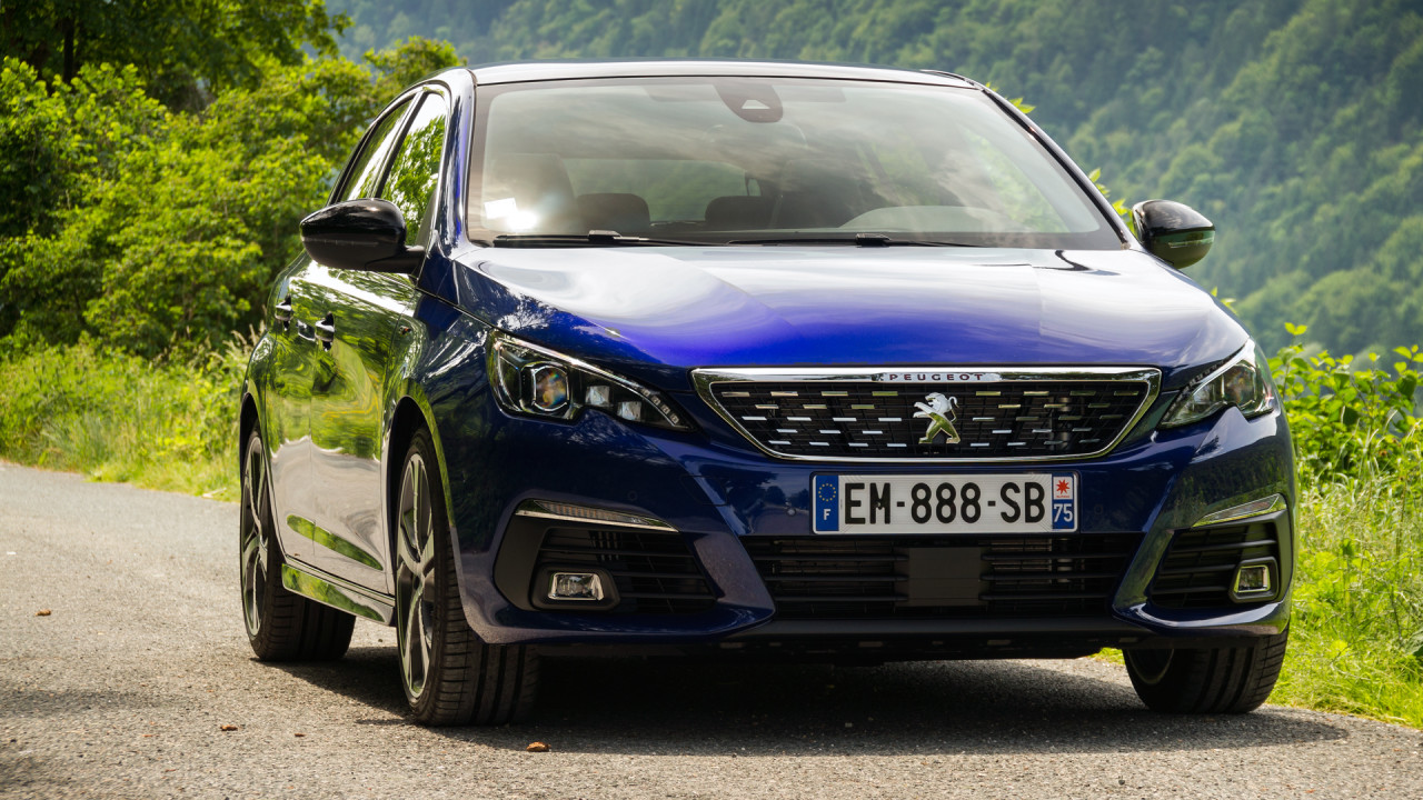 newmotoring exploring germany in the updated 2017 peugeot 308. Black Bedroom Furniture Sets. Home Design Ideas