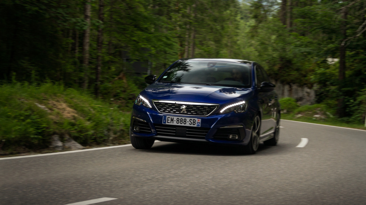 Peugeot 308 2017 Video Review