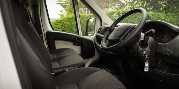 Newmotoring Peugeot Boxer Review Interior Newmotoring