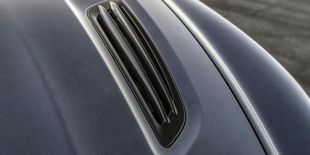 Aston-Martin-Vanquish-Zagato-Volante-Carbon
